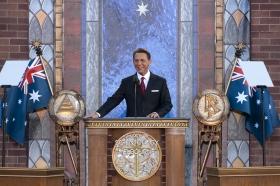 David Miscavige, styrelseordförande för Religious Technology Center och Scientologi-religionens kyrklige ledare, invigde den nya Scientologi-kyrkan i Melbourne.