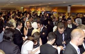 Tusentals scientologer och gäster besökte den nya Scientologi-kyrkan i Melbourne. Den helt renoverade egendomen inkluderar ett informationscenter för allmänheten med över 450 informationsfilmer. Här erbjuds en introduktion till varenda aspekt av Dianetik och Scientologi och L. Ron Hubbards liv och arv.