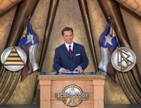 David Miscavige, Scientologi-religionens kyrklige ledare, förrättade invigningsceremonin för Scientologi-kyrkan i Dallas, där han sade att Texas drömmar om andlig frihet nu kommer att förverkligas.